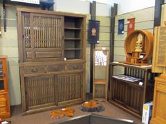 神谷家具 展示の様子