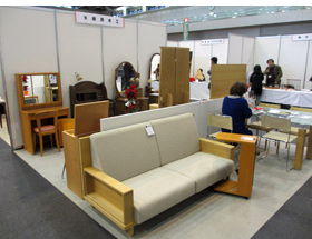 藤原木工 展示の様子