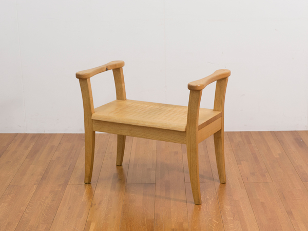 (有)勝見木工 立ち上がり椅子